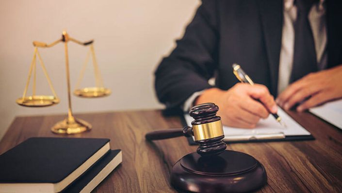 Ways of Becoming a Personal Injury Lawyer